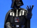 darth-vader-holiday-gentle-giant-04