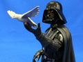 darth-vader-holiday-gentle-giant-15