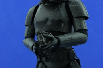 Stormtrooper-Blackhole-Premium-Format-07
